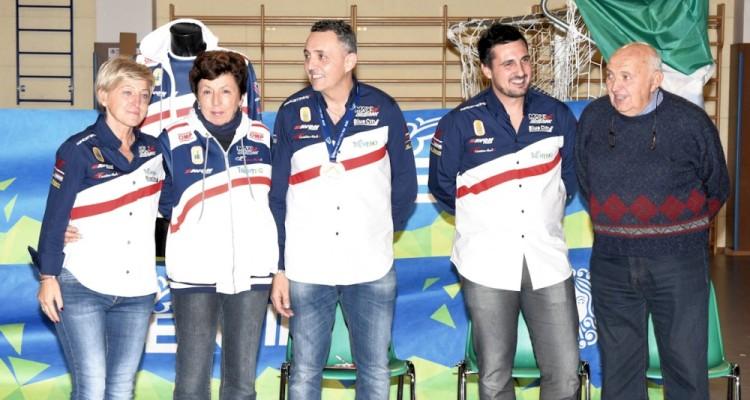 Anteprima foto Christian con Cinzia, la mamma, Giuliano e il papà