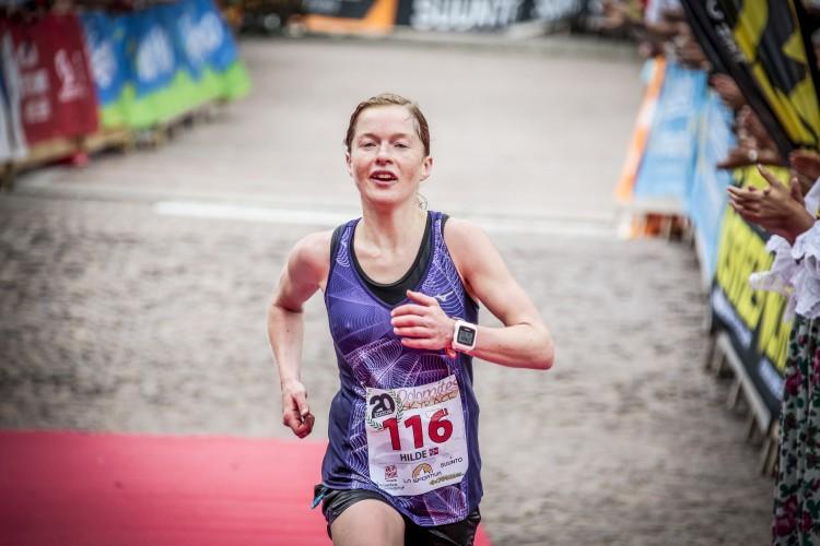 Anteprima foto La norvegese Hilde Aders (3ª)