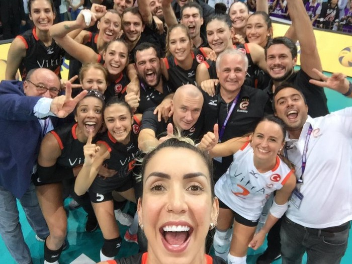 Anteprima foto Selfie Eczacibasi Mundial!