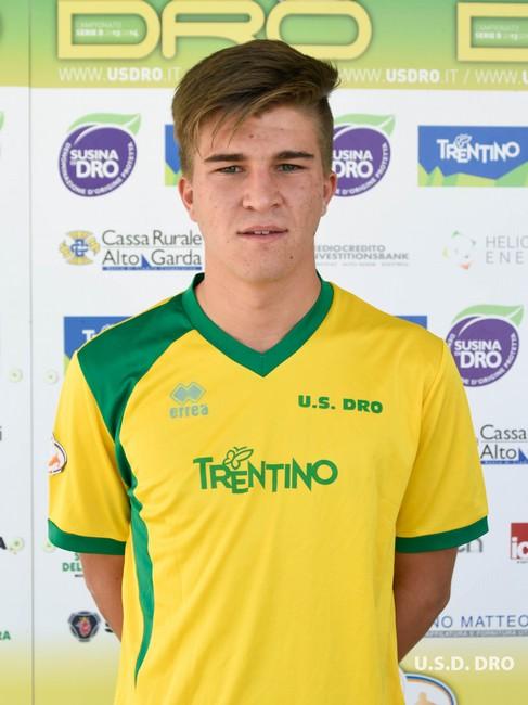 Il centrocampista gialloverde Giovanni Paoli
