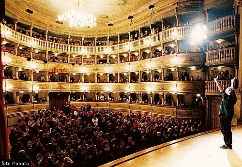 Anteprima foto teatro Zandonai, Rovereto. Prima del restauro.