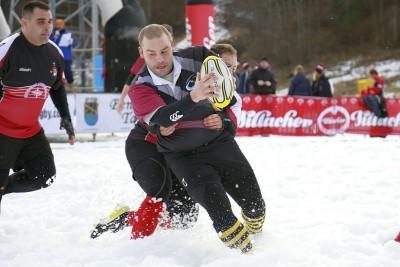 Roberto Nicolodi (Rugby Trento) in azione nella neve