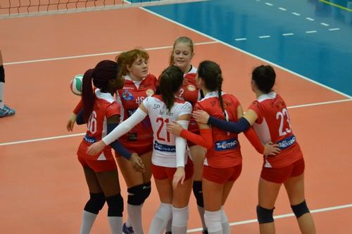 La 2a divisione. La squadra è formata dalle ragazze della under 16 B