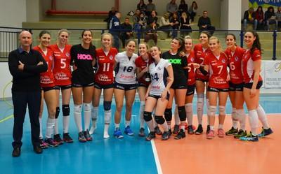 Al termine del derby contro la Walliance Ata Trento, il presidente Vigilio Baldessarini ha festeggiato la vittoria assieme alle ragazze dell'AgriLagaria Volano