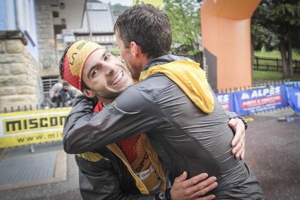 L'abbraccio fra Christian Varesco e Alfredo Gil
