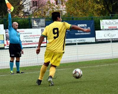 Adrian Cerda, al sesto gol in campionato, aveva siglato il vantaggio tricolore nella prima frazione (Foto di Leo Hodaj per FootballHazard)