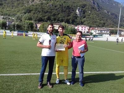 Prima del match, Nicola Cescatti è stato premiato dall'Amministrazione Comunale di Mori per le prestigiose convocazioni della passata stagione nella fila delle Nazionali Dilettanti