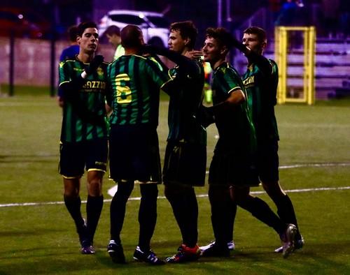 I tricolori festeggiano la rete del vantaggio siglata da Simonini su precisa assistenza di Moscatelli (Foto Federico Roat)