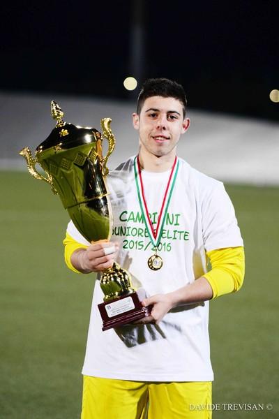 Roberto Carpi, nella stagione sportiva 2015/2016, festeggia la prima storica vittoria della nostra Juniores nel campionato Elite del Trentino