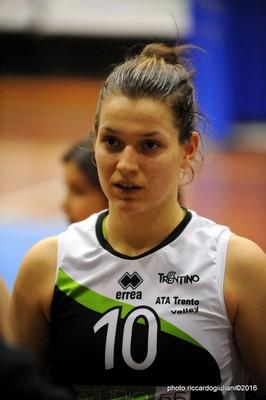 La giovane libero Aurora Bazzanella (foto di Riccardo Giuliani)