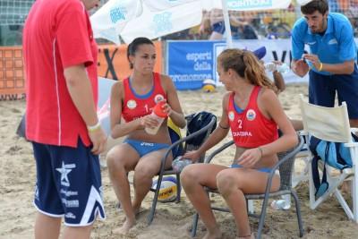 Le ragazze trentine a rapporto da coach Zadra (foto organizzatori)