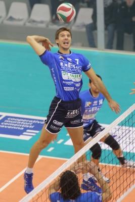 Alessandro Paoli in attacco con la maglia di Loreto