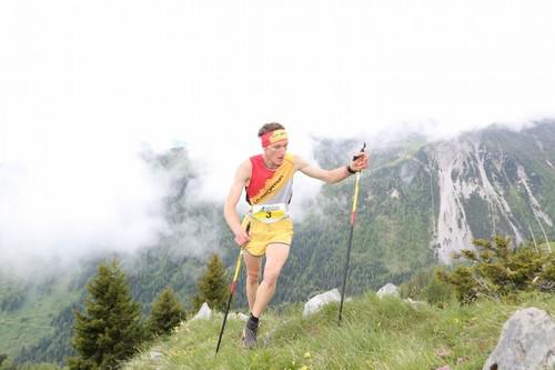 Nicola Pedergnana in gara alla Roncone Vertical 2016