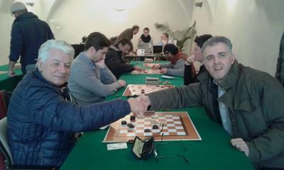 Un'immagine di gioco con, in primo piano, il moriano Pietro Cescatti ed il bolzanino Ivano Pergher