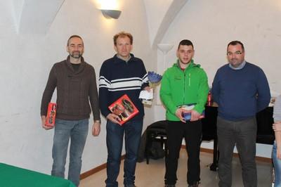 Il podio dell'assoluto con, da sinistra a destra, Agosti, Tranquillini, Valentini ed il sindaco di Mori Stefano Barozzi