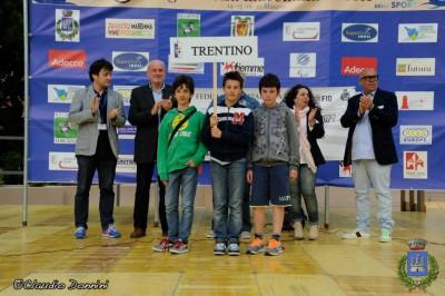 La squadra delle scuole medie di Mori (da sinistra Regolini, Deimichei e Bellini)