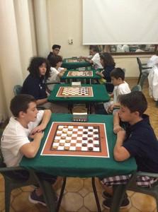 I giovani di Mori con la divisa bianca durante uno degli incontri del Trofeo CONI