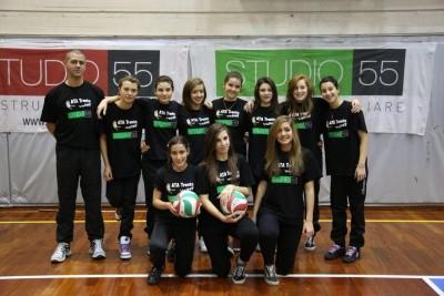 Le ragazze della Studio55 Ata Under 14 con coach Tranquillini