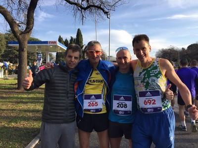 Michele Filippi in giallonero con altri atleti Trentini