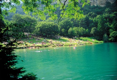 Le acque verde smeraldo del lago di Lamar