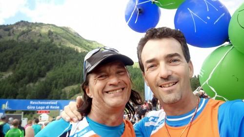 Luca e Mauro alla partenza con i palloncini di 1h:15'