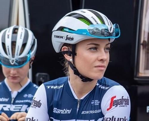 Letizia Paternoster, in gara nella Pink Race virtuale