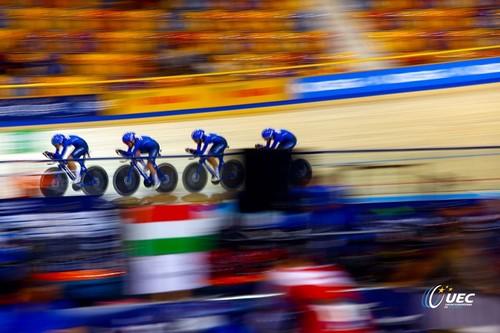 Il quartetto azzurro femminile in gara ad Apeldoorn (foto Bettini)