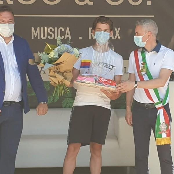 Elia Andreaus sul podio a Piazzola sul Brenta