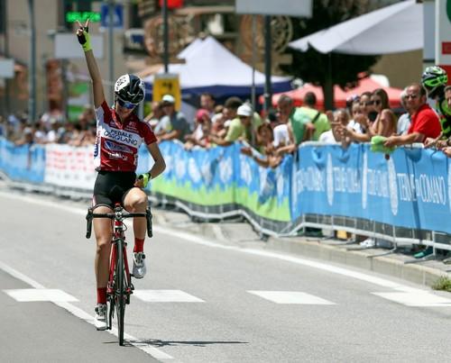 L'arrivo solitario di Francesca Barale nella corsa Esordienti Donne 2° anno (foto Marco Trabalza)