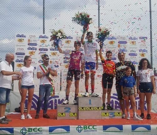 Il podio della gara Esordienti 2005 di Terrossa, con Capra sulla sinistra