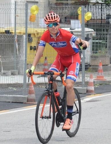 L'arrivo trionfale di Lorenzo Cazzaniga nella corsa di casa (foto Cc Gardolo)