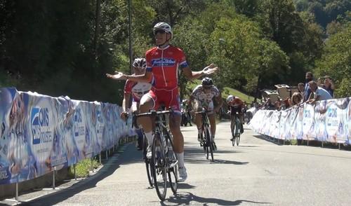 Andrea Debiasi vince in rimonta lo sprint che ha deciso la corsa di S. Pellegrino Terme