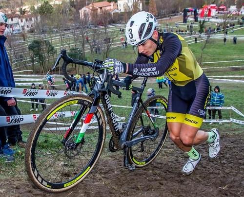 Jakob Dorigoni in azione (foto Billiani)