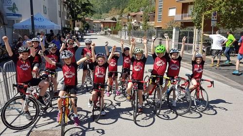 I Giovanissimi del Veloce Club Borgo a Mori (foto Facebook Vc Borgo)