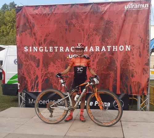Il biker trentino Tony Longo in zona arrivo a La Tramun