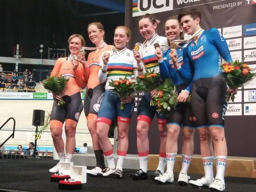 Paternoster e Confalonieri (a destra) sul podio ai Mondiali di Apeldoorn