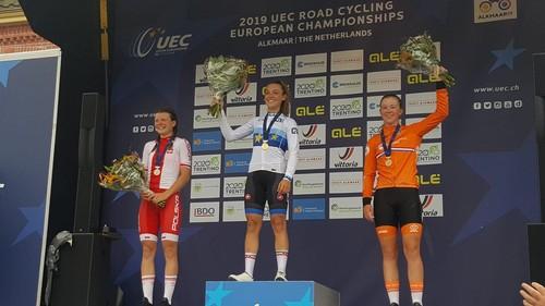 Letizia Paternoster sul podio di Alkmaar con la maglia di campionessa europea