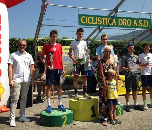 Il podio con Elia Tovazzi della Forti e Veloci sul secondo gradino
