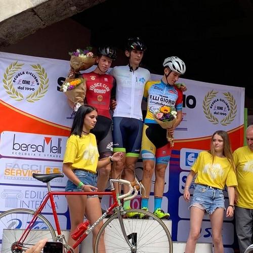 Maurizio Cetto sul podio della gara di Clusone (Bergamo)