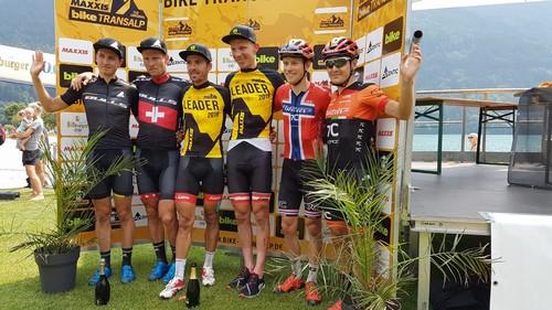Il podio finale assoluto dell'edizione 2019 della Bike Transalp