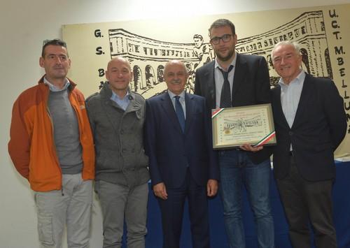 Angelo Zambotti, affiancato da Malcotti e Di Rocco, alla premiazione (foto Remo Mosna)