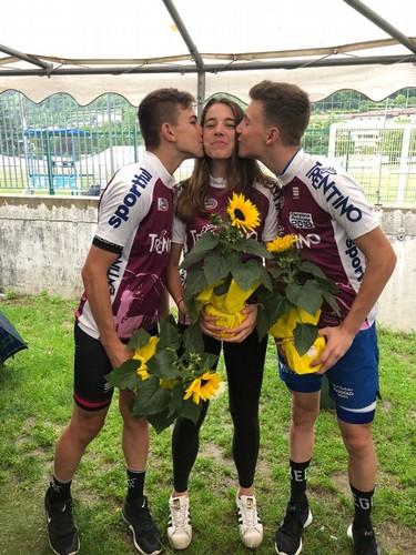 Capra, Casagranda e Cazzaniga con la maglia di campione trentino della corsa a punti