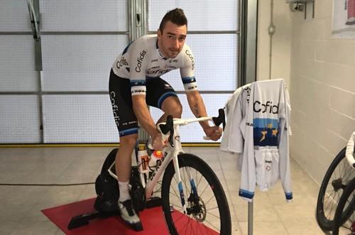 Il campione europeo Elia Viviani sui rulli