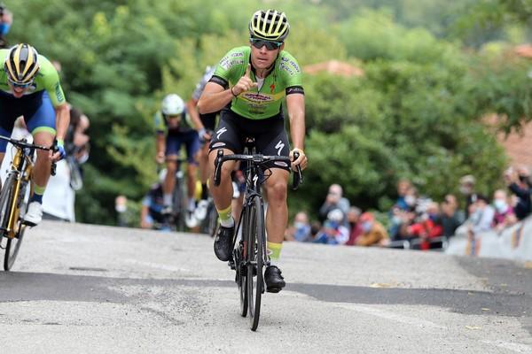 L'esultanza all'arrivo di Daniel Smarzaro (foto Rodella)