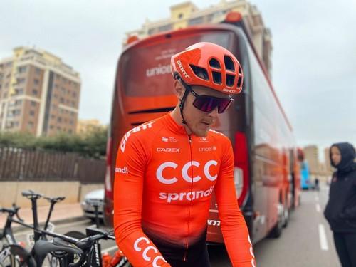 Matteo Trentin con la nuova maglia del team CCC