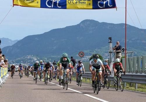La volata per il secondo posto, vinta da Riccardo Galante (foto Giorgio Berasi)