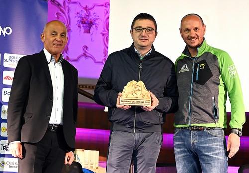 Tiziano Mellarini e Davide Moser con Maurizio Fugatti (foto Piazzi)