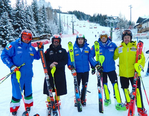 Stefano Gross (al centro) con Florian Eisath, Cristian Deville, Federico Liberatore e Mattias Hargin