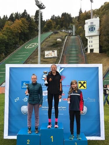 Annika Sieff sul gradino più alto del podio