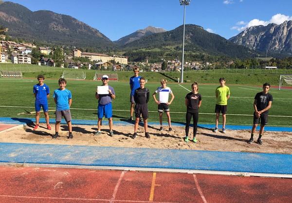 I ragazzi del team di salto al centro sportivo di Cavalese